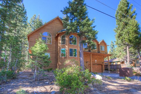 Awesome 6 Bedroom South Lake Tahoe Home Vacation Rental in South Lake Tahoe, CA - RedAwning