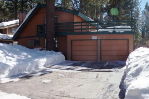 Conveniently Located Tahoe Home for 10 Vacation Rental in City of South Lake Tahoe - RedAwning