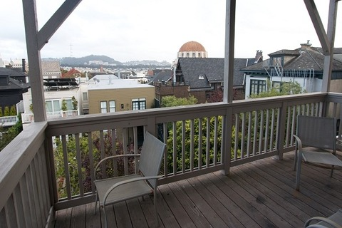 Presidio Terrace Lower Unit Vacation Rental in San Francisco - RedAwning