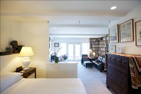 Montgomery Suite Vacation Rental in San Francisco - RedAwning