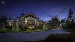 The Big EZ Lodge- Iconic Big Sky Escape