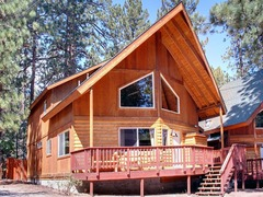 Serenity Summit- Nestled in the Pines, 600ft to Snow Summit Ski Resort