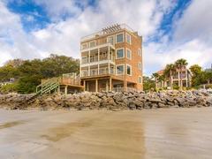 700 Beachview