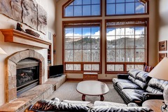 4 Bedroom Ski-in/Ski-out Condo At Oxford Court, Sleeps 10!