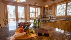 Stunning 5 Bedr Private Home Close to Northstar Ski Resort