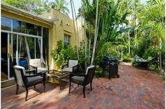 2519 Lincoln Avenue Villa