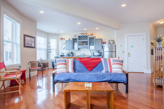 Downtown Boothbay Harbor Apartment