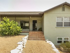 Fabulous Westside Paso Retreat! 3 Bed/ 2 Bath Private Home!