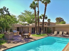 576 E Desert Holly Circle Home