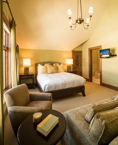 Horizon Pass 5 bedroom Townhome, ski-in/ski-out, sleeps 12!