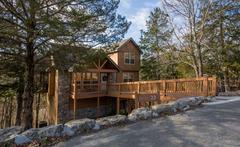 Whispering Woods Lodge