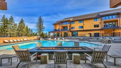 2 Br 2 Ba Luxury Condo. Close to Lake Tahoe & the slopes.
