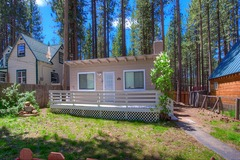 1 bedroom Knotty cabin