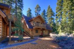 5 Bedrooms Beautiful Log Cabin