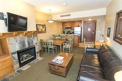 1Br Condo in Canyons Village. Private patio & fireplace!