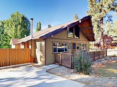 880 Edgemoor Rd Cabin