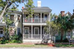 216 East Duffy street House