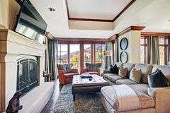 2Br + Den Ritz-Carlton Condo with Outdoor Heated Pool