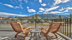 3 Br 3 Ba Luxury Condo. Walk to Lake Tahoe!