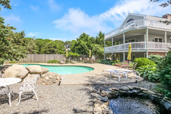 4 Waterside Dr Home