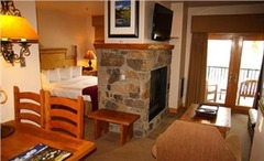 Mountain Lodge- Junior Suite with Kitchen