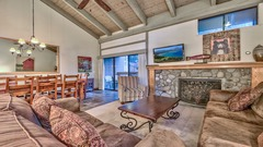 Updated spacious townhome steps from Lake Tahoe – sleeps 10