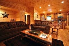 Hillside Cabin 595 GA Highway