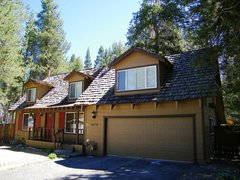 Great Remodeled Cabin with Perfect Access to Beaches and Skiing