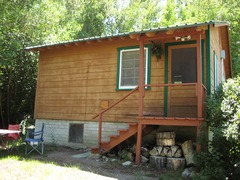 Elani Lodge Crowley Lake 01