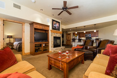6102 Bear Lodge, Trappeurs