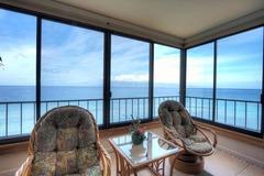 1 Bedroom Corner Oceanfront 808
