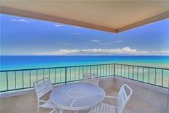 1 Bedroom Corner Oceanfront 908