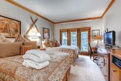 The Charter Lodge Room 3003