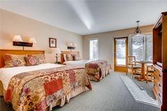 Lion Square Lodge Lodge Room Mountain 162