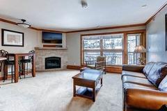 Lion Square Lodge Mountain View Superior 370