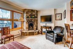 Lion Square Lodge Mountain View Superior 454