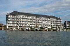 Harbour Island 405M
