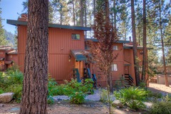 Adorable 2BR Condo Located Just Steps from the Heavenly California Lodge