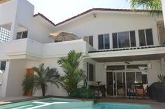 Casa Tropical Oasis