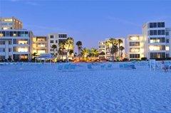 Island House Beach Resort 3S