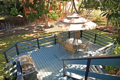 Sunny Bamboo Beach Cottage