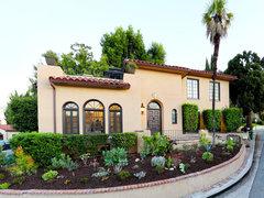 Luxurious Hilltop Villa in Los Angeles