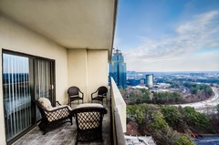 Luxury 2 Bdr Penthouse Overlooking Atlanta