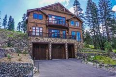 True Ski-In/Ski-Out Palisades Home