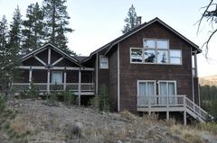 Yarrow Place Home on Meadow