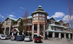 Market Pavilion #315