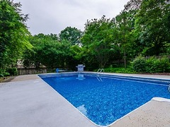 Stunning 4 Bdr Mansion, 1 Acre Pool, New