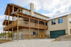 The Pecos Lodge- sleeps 18, close to Nat`l Parks