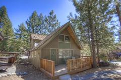 Delightful Well Maintained North Lake Cabin