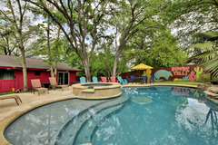 4BR/2.5BA Classic Ranch House, Private Pool, Downtown Austin